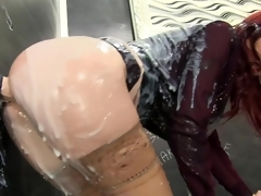 clothes fingering